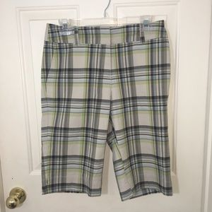 New York & Co. Bermuda Shorts-4